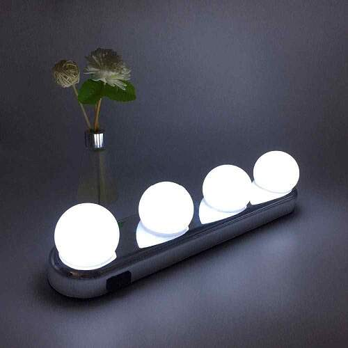 Лампа для макияжа на зеркало