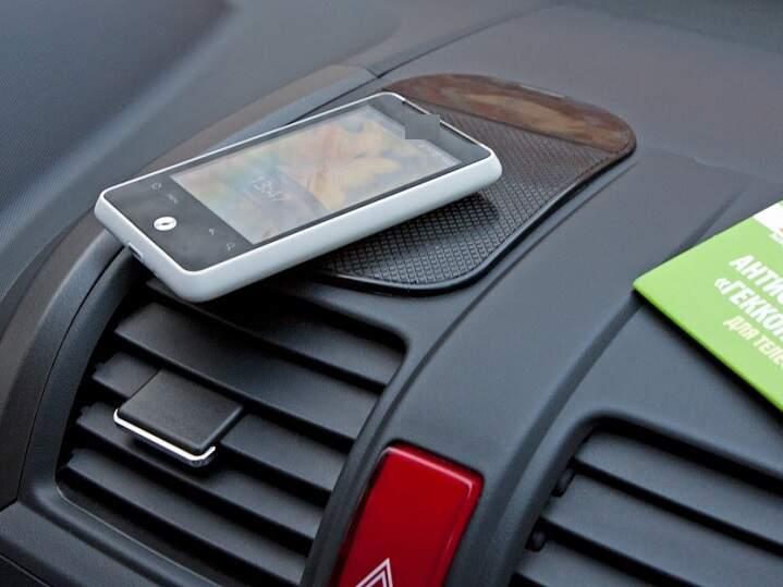 Антискользящий коврик для телефона Nano Pad
