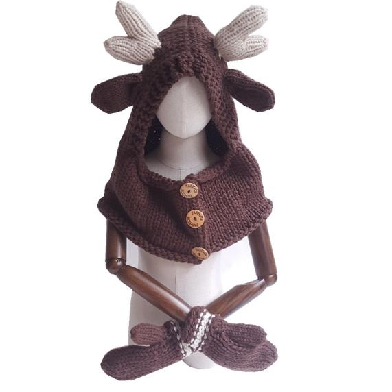 Шапка-шлем и варежки Олень